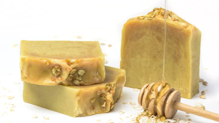 Making Honey and Oats Natural Soap